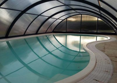 sicuracque-piscina-vetroresina-con-copertura