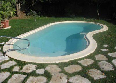 sicuracque-piscina-vetroresina-sagomata
